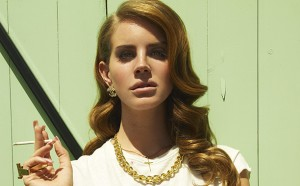 Get Lana Del Ray's glamorous waves!